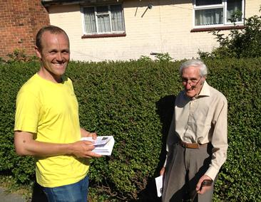 Tom chatting with a gentleman in Woodingdean who uses the 52 regularly to get to the Marina